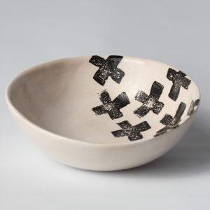 eve art black and white criss cross ceramic bowl (1)