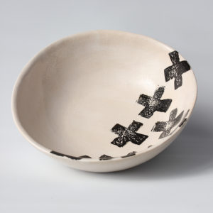 eve art black and white criss cross ceramic bowl (2)
