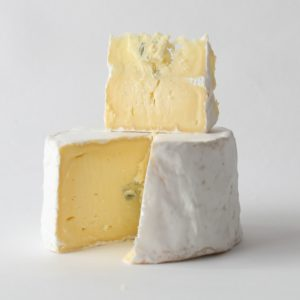 Dalewood Fromage wineland blue camembert cut 1